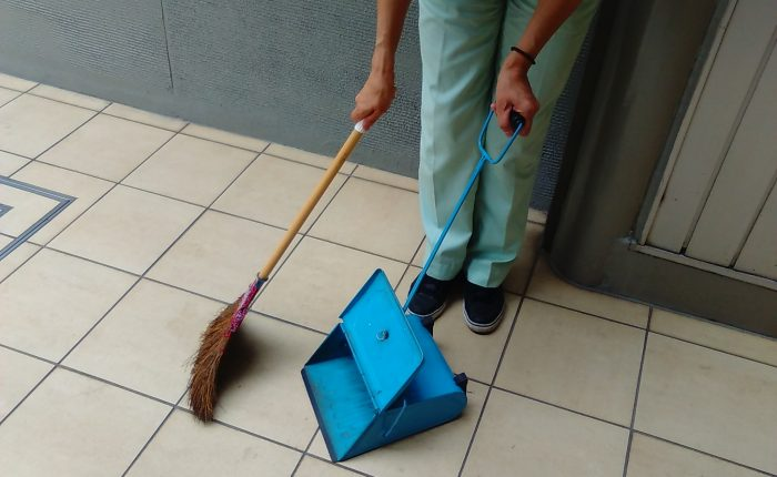 入居者が清掃 管理人担う
