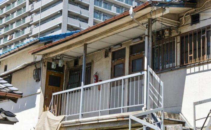 老朽化アパート外廊下崩落事故